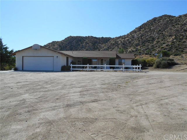 5641 Bronco Road, Pioneertown, CA 92268