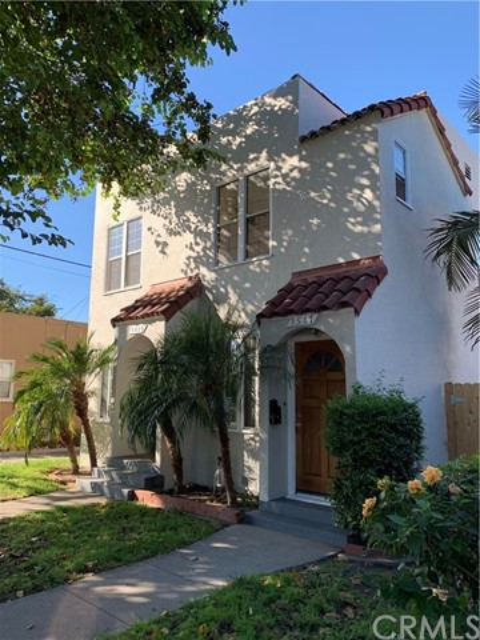 1517 W Burnett Street, Long Beach, CA 90810