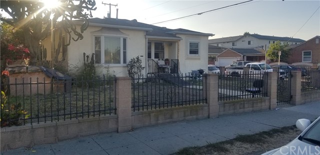 11601 Oxford Avenue, Hawthorne, CA 90250