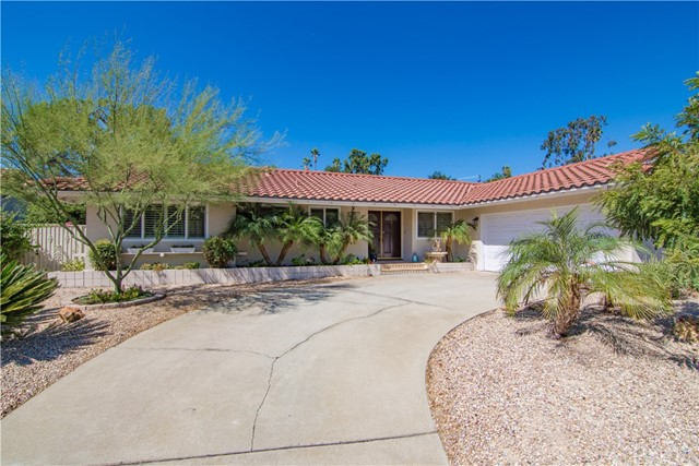 3883 Shelter Grove Drive, Claremont, CA 91711