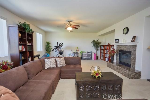 8443 Fillmore Ct, Oak Hills, CA 92344 Photo 11