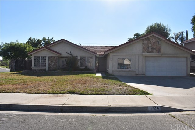 1724 N Encina Avenue, Rialto, CA 92376