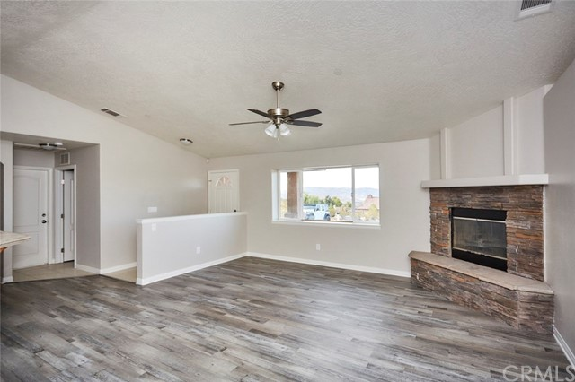 32755 Spinel Rd, Lucerne Valley, CA 92356 Photo 2