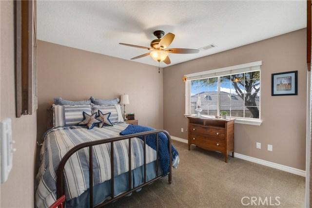 10260 Whitehaven St, Oak Hills, CA 92344 Photo 31