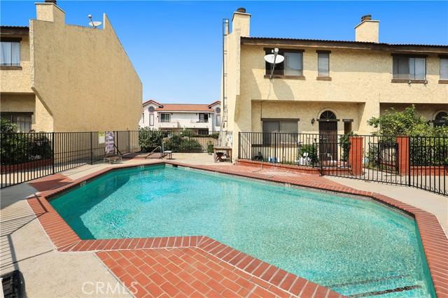 18 - Community pool