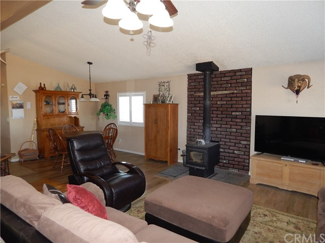 11024 Medlow Av, Oak Hills, CA 92344 Photo 14