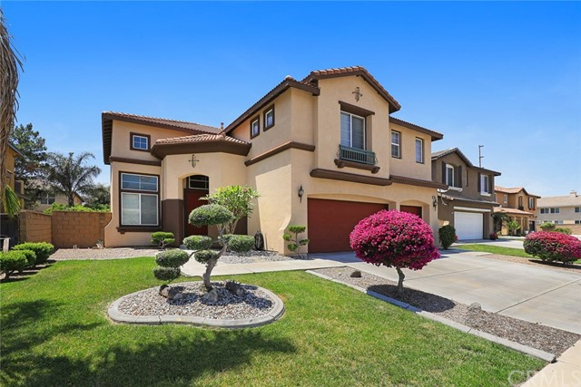 6833 Winterberry Way, Eastvale, CA 92880
