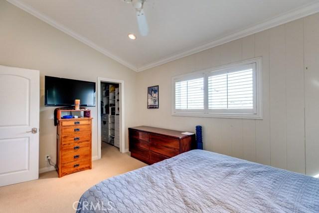 329 4th Street, Manhattan Beach, California 90266, 3 Bedrooms Bedrooms, ,2 BathroomsBathrooms,For Sale,4th,SB19050060