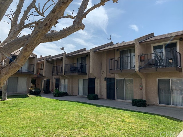 11710 215th Street, Lakewood, CA 90715