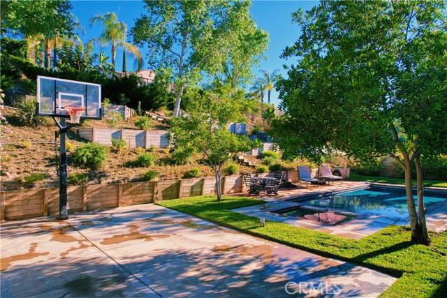 2. 25422 Magnolia Lane Stevenson Ranch, CA 91381