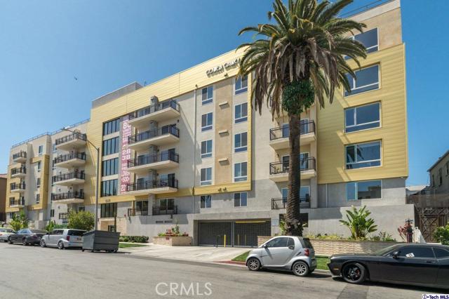 49. 2939 Leeward Avenue #506 Los Angeles, CA 90005