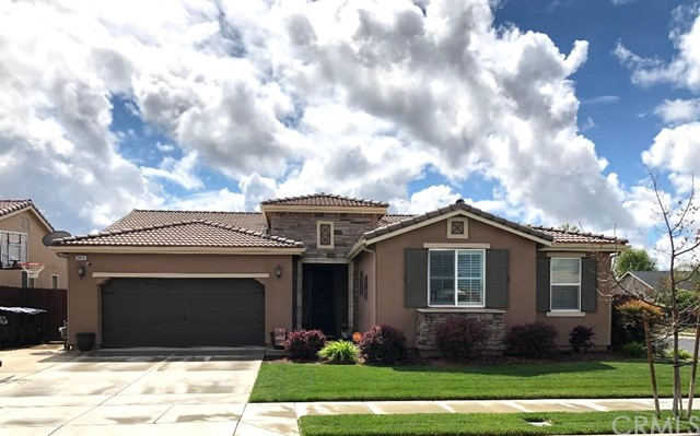 2843 W Stewart Avenue, Visalia, CA 93291