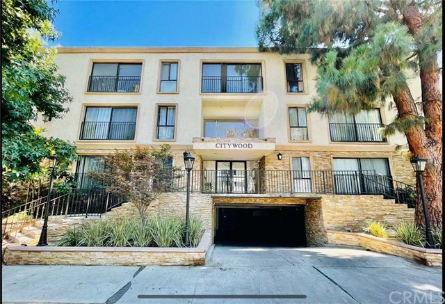 15344 Weddington Street 203, Sherman Oaks, CA 91411