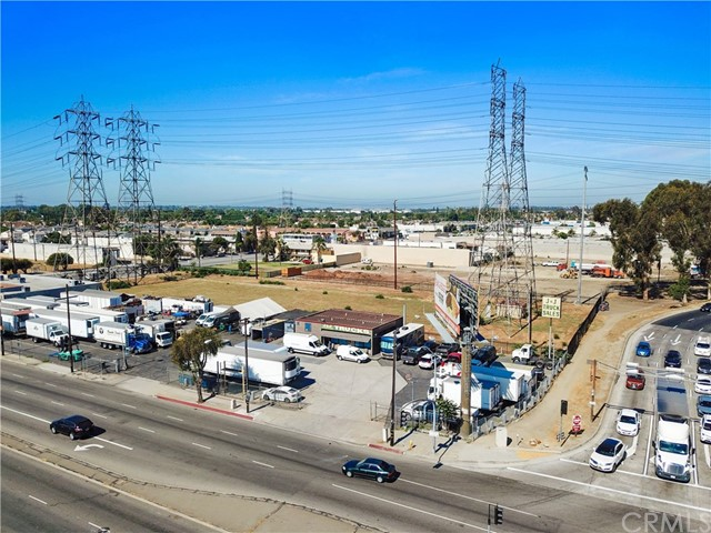 17223 Lakewood Boulevard, Bellflower, CA 90706