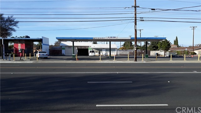 CAN BE USED CAR SALE , AUTO REPAIR / SMOKE CHECK STATION, ...Also FOR LEASE at $7,500 / month (1 year lease term)  please see MLS # OC21100647