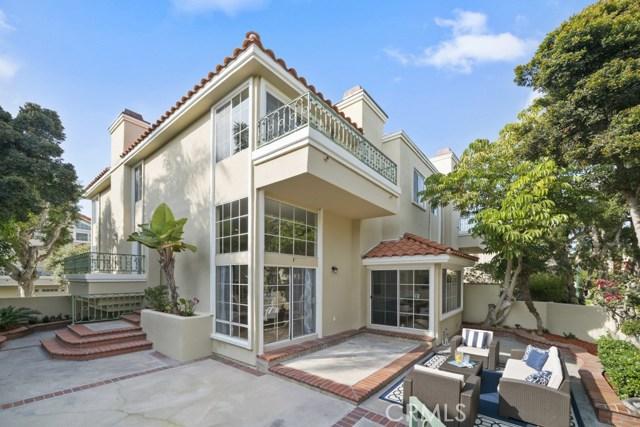 19416 Castlewood Circle, Huntington Beach, CA 92648