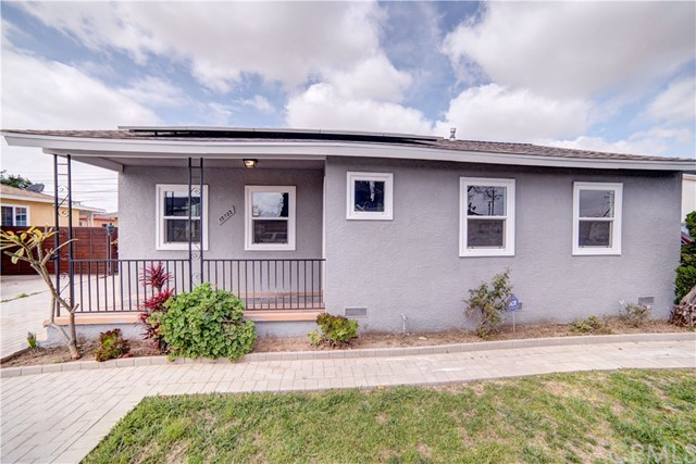 15735 S Maple Avenue, Gardena, CA 90248