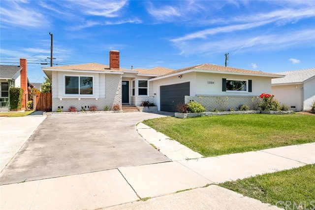 13704 Ardath Avenue, Gardena, CA 90249