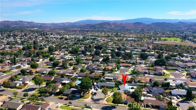 415 N Milford Road, Orange CA: https://media.crmls.org/medias/7d08df8b-f1e2-47ed-b6fa-a051668290b0.jpg