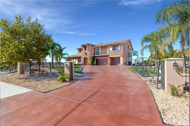 Photo of 805 E Sunset Drive, Redlands, CA 92373