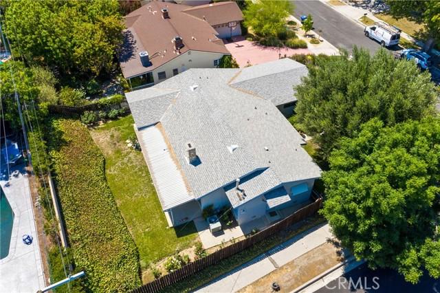 5. 23800 Tiara Street Woodland Hills, CA 91367