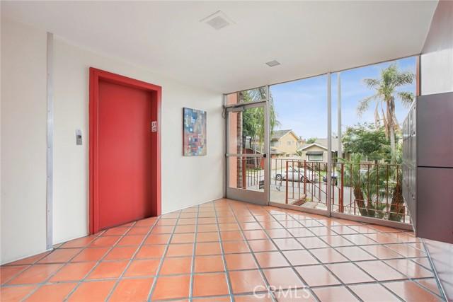 18. 382 Coronado Avenue #107 Long Beach, CA 90814