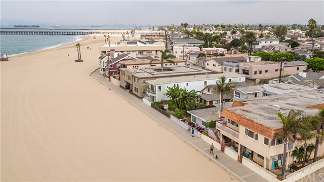 1527 Seal Way, Seal Beach, CA 90740