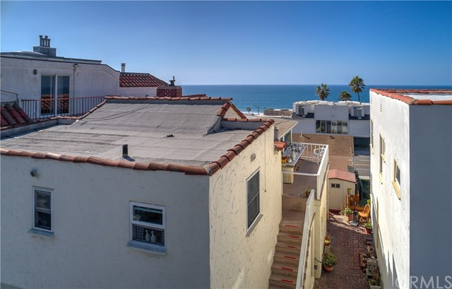 3905 Crest Drive, Manhattan Beach, California 90266, 4 Bedrooms Bedrooms, ,For Sale,Crest,SB18266979