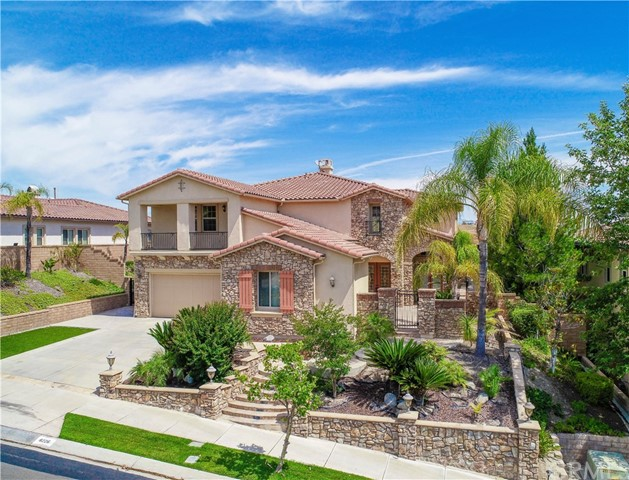 8226 Soft Winds Drive, Corona, CA 92883