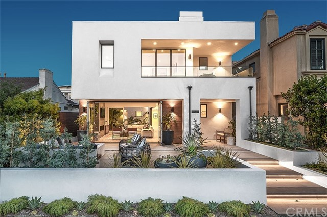 302 Iris Avenue, Corona del Mar, CA 92625