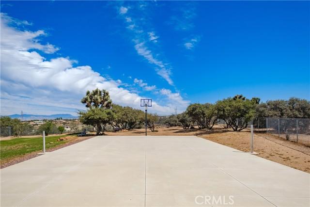9875 Alta Mesa Rd, Oak Hills, CA 92344 Photo 7