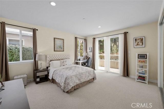 524 Francisca Avenue, Redondo Beach, California 90277, 5 Bedrooms Bedrooms, ,4 BathroomsBathrooms,For Sale,Francisca,SB20179807