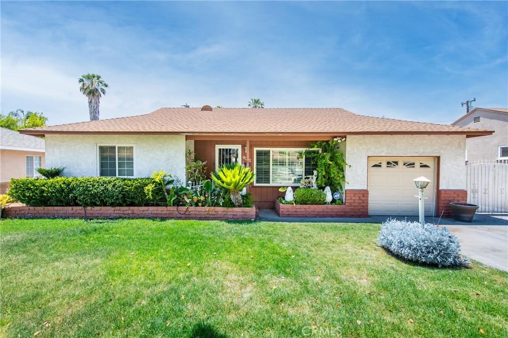 1896     Parkside Drive, San Bernardino CA 92404
