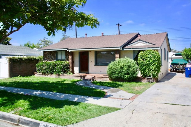 20927 Ely Avenue, Lakewood, CA 90715