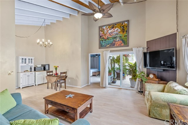 1916 Clark Lane 2, Redondo Beach, California 90278, 1 Bedroom Bedrooms, ,1 BathroomBathrooms,For Sale,Clark,SB20129289