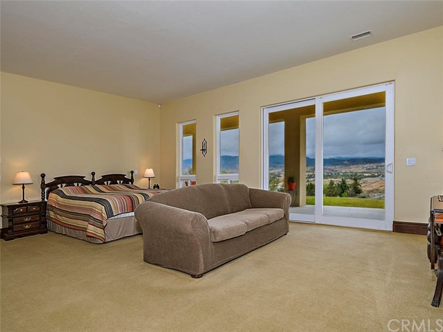 42251 Altanos Rd, Temecula, CA 92592 Photo 17