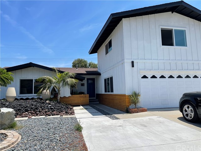 Located in the heart of Garden Grove, around great schools, restaurants, freeways, and large shopping centers. The house has recently remodeled. The house has a large front yard with a lot of potential. It also has a large swimming pool in the back yard. Perfect for entertainment.