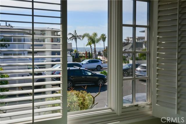 2050 Hermosa Avenue, Hermosa Beach, California 90254, 2 Bedrooms Bedrooms, ,3 BathroomsBathrooms,For Sale,Hermosa,SB21046939