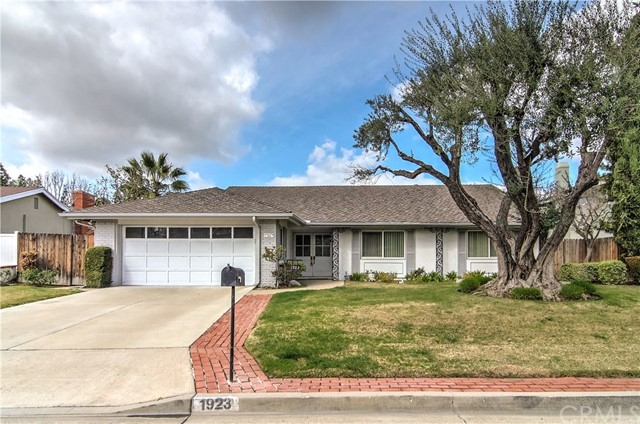 1923 Overlook Road, Fullerton, CA 92831