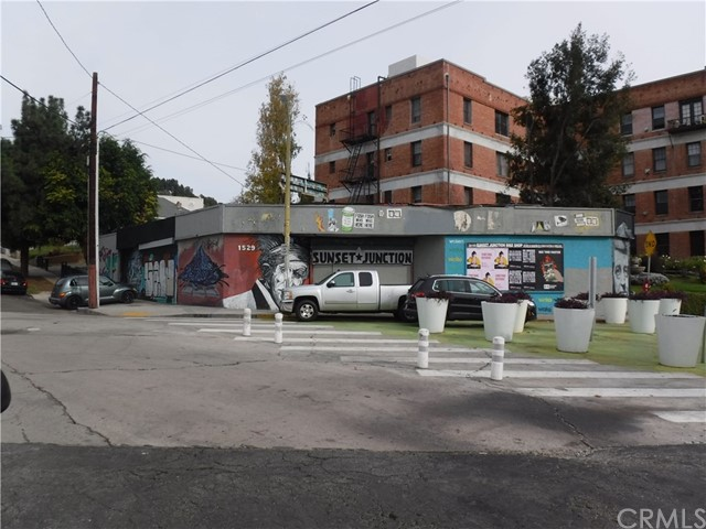 1527 Griffith Park Boulevard, Silver Lake, CA 90026