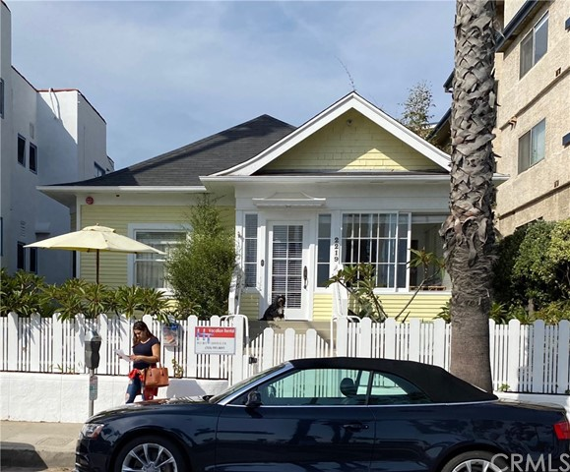 2219 Ocean Avenue, Santa Monica, CA 90405