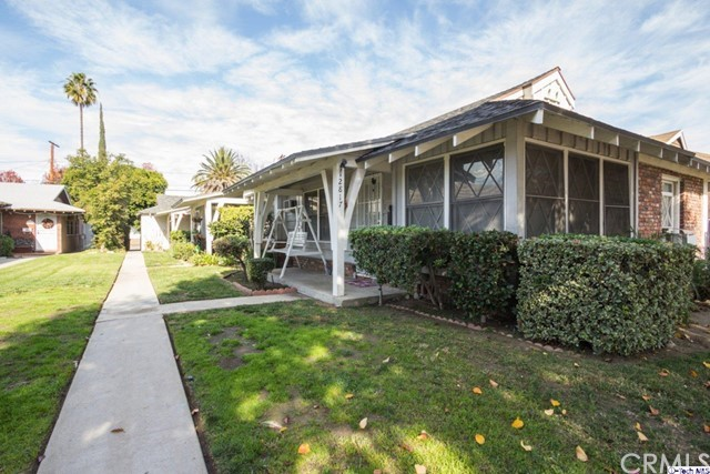 12817 Oxnard Street, North Hollywood, CA 91606