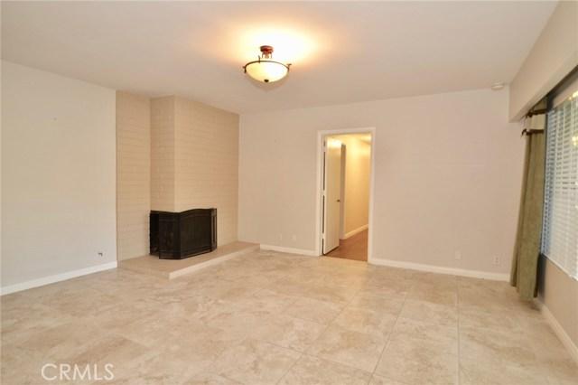 Image 4 of 1621 S Pomona Ave #D22, Fullerton, CA 92832
