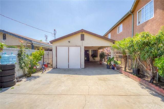 9223 Juniper Street, Los Angeles, CA 90002