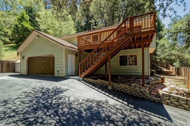303 S Dart Canyon Road, Crestline, CA 92325