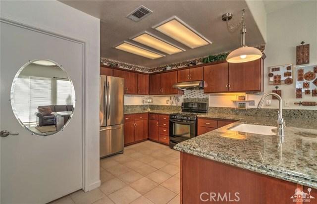 5009 Oakhurst Avenue, Banning, CA 92220