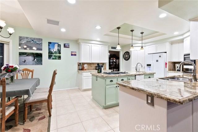 10578 Canita Ct, Oak Hills, CA 92344 Photo 18