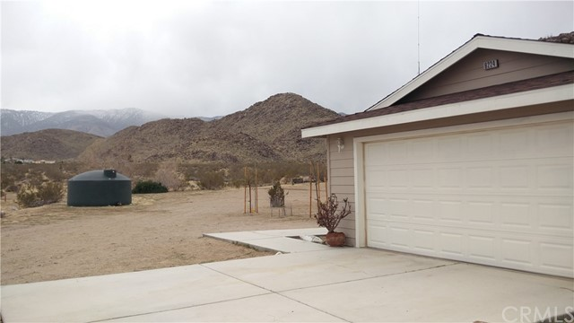 9224 Red Butte Rd, Lucerne Valley, CA 92356 Photo 2