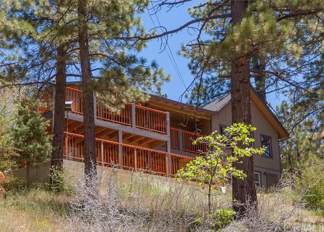 1262 Piney Ridge Place, Fawnskin, CA 92333