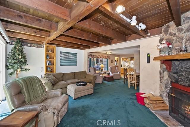 701 Oak Knoll Dr, Green Valley Lake, CA 92341 Photo 2